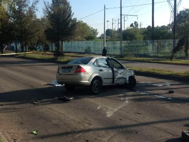 ¡Mujer motociclista murió embestida por un automovilista en Aguascalientes!