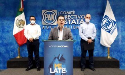 ¡No hay desbandada de militantes de Acción Nacional: Gustavo Báez Leos!
