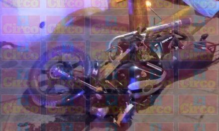 ¡Joven motociclista murió tras estrellarse contra un poste en Lagos de Moreno!