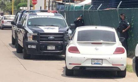 ¡2 pistoleros asaltaron a una mujer y la despojaron de su auto en Aguascalientes!