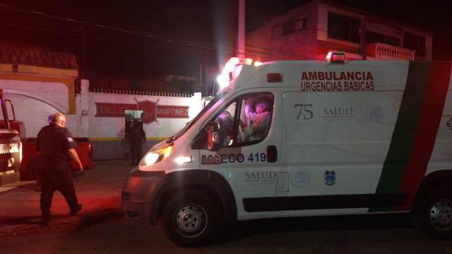 ¡Adulto mayor murió aplastado por un auto que reparaba en Aguascalientes!