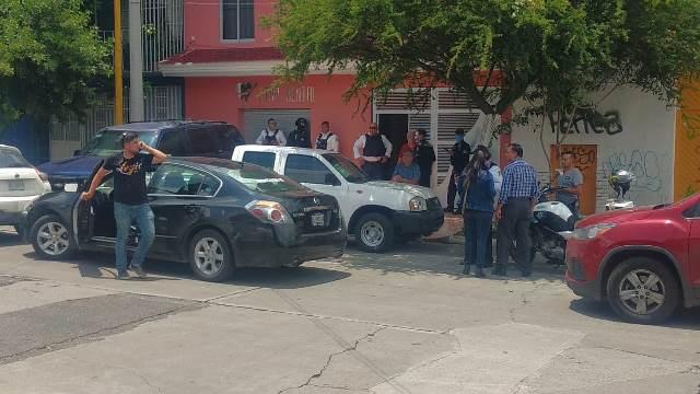 ¡Dos delincuentes asaltaron consultorio dental en Aguascalientes y se llevaron $100 mil!