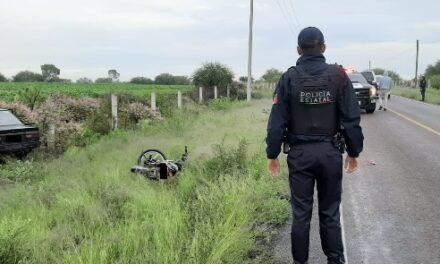 ¡Grave joven motociclista impactado por un automovilista en Aguascalientes!