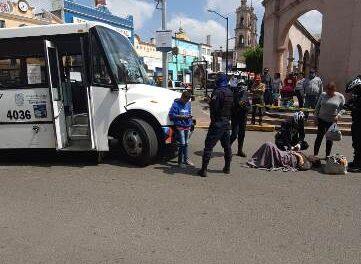 ¡Grave mujer atropellada por un camión urbano en el Centro de Aguascalientes!