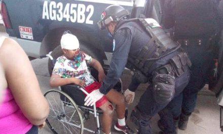 ¡Niño de 8 años de edad fue aplastado por una barda derribada en Aguascalientes y está grave!