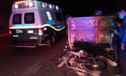 ¡Joven motociclista murió tras chocar contra un contenedor en Aguascalientes!