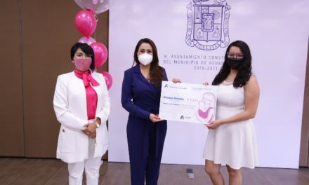 ¡Tere Jiménez premia a ganadoras del Primer Concurso de Fotografía lactancia materna!