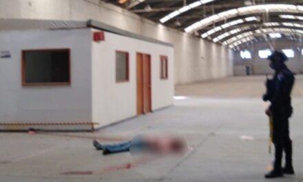 ¡Muere empleado al estar arreglando un techo de nave industrial en Aguascalientes!