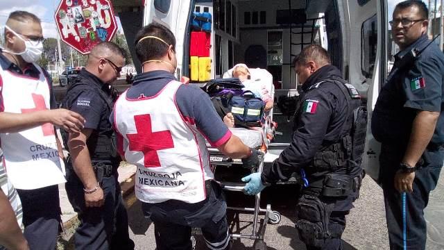 ¡Mujer de la tercera edad fue impactada por el tren en Aguascalientes y está grave!