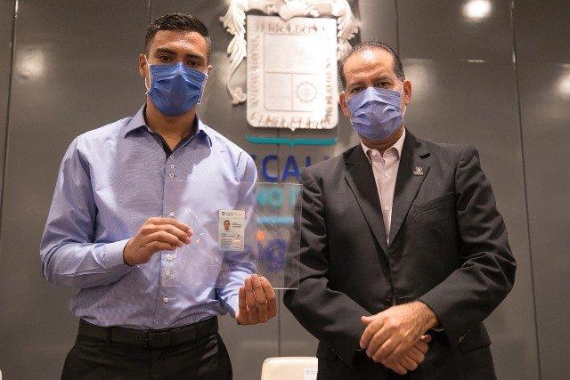 ¡Pensando en eficiencia y ahorro, Gobierno de Aguascalientes expide cédulas profesionales con validez estatal!