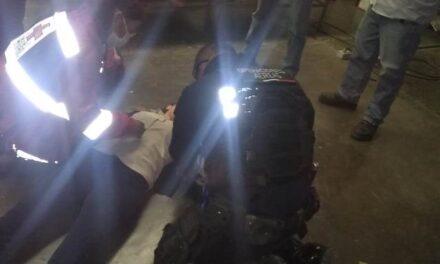 ¡Paramédicos de la SSPM brindaron atención prehospitalaria a joven tras sufrir caída en su centro laboral!