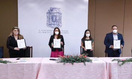 ¡Tere Jiménez firma acuerdo para la capacitación de mujeres emprendedoras!