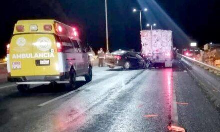 ¡Automovilista murió tras chocar contra un camión en Guadalupe!