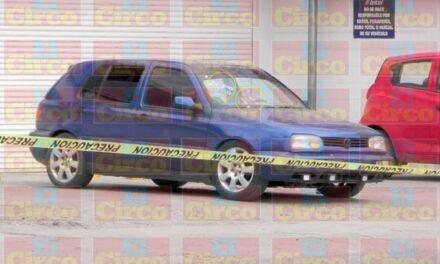 ¡Joven fue ejecutado a bordo de su auto afuera de un Centro de Atención TELCEL en Fresnillo!