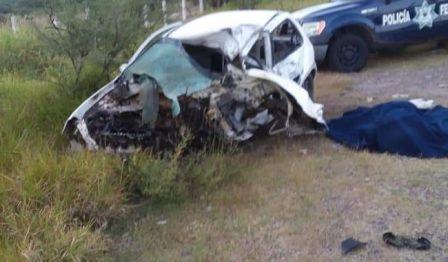 ¡Automovilista murió tras chocar contra un tráiler en Huanusco!