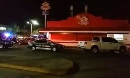 """¡Pistoleros asaltaron el restaurante """"El Pollo Feliz"""" en Aguascalientes!"""