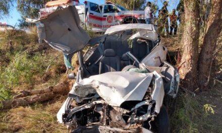 ¡Automovilista se salvó de morir tras fuerte accidente en Aguascalientes!