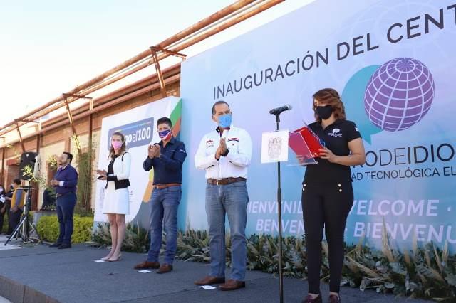 ¡Como un compromiso con la sociedad y el desarrollo, inaugura MOS centro de idiomas más grande del Estado!