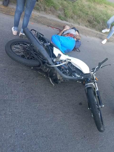 ¡Adulto mayor murió atropellado por un adolescente motociclista en Aguascalientes!