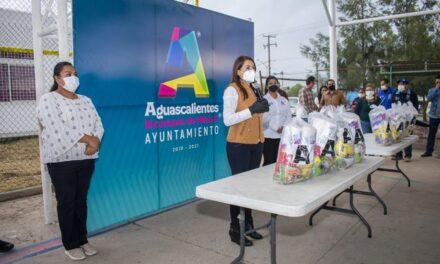 ¡Más de 200 mil apoyos alimenticios ha entregado Tere Jiménez este año a familias de Aguascalientes!