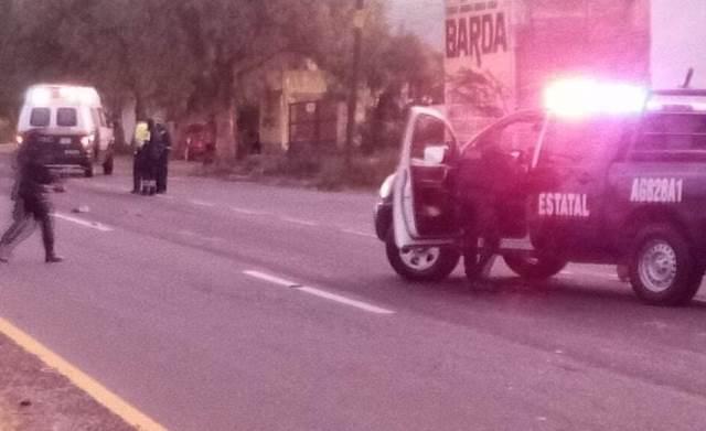 ¡Peatón murió atropellado por una camioneta que lo proyectó contra una patrulla en Aguascalientes!