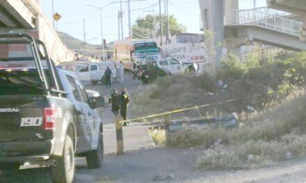 ¡Ejecutaron a un joven debajo de un puente en Zacatecas y le dejaron un narco-mensaje!