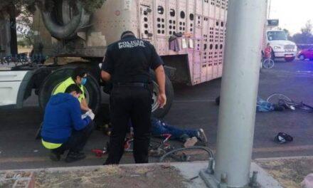 ¡Tráiler arrolló y mató a dos ciclistas en Jesús María, Aguascalientes!