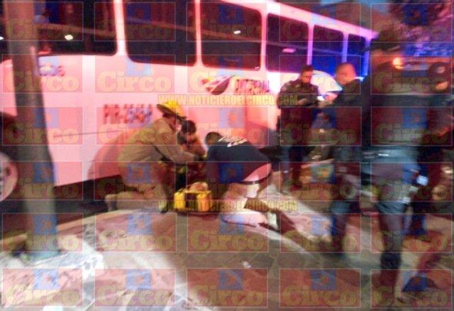 ¡Fuerte choque entre patrulla y auto deportivo dejó 4 lesionados en Lagos de Moreno!