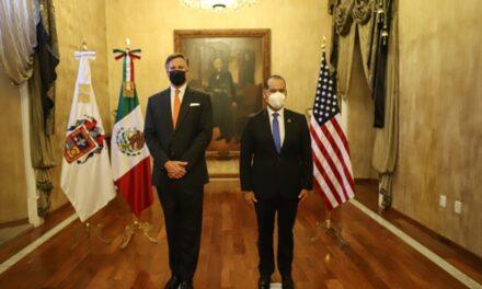 ¡Aborda Martín Orozco temas de salud y economía durante la visita del embajador de los Estados Unidos en Aguascalientes!