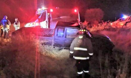 ¡Joven lesionado tras accidentarse en su camioneta en Guadalupe!