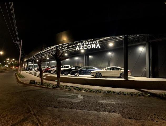 ¡2 pistoleros encapuchados asaltaron la automotriz AZCONA en Aguascalientes!