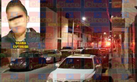 ¡Ejecutaron a 3 hombres en una barbería en Fresnillo y detuvieron a una mujer sicaria!