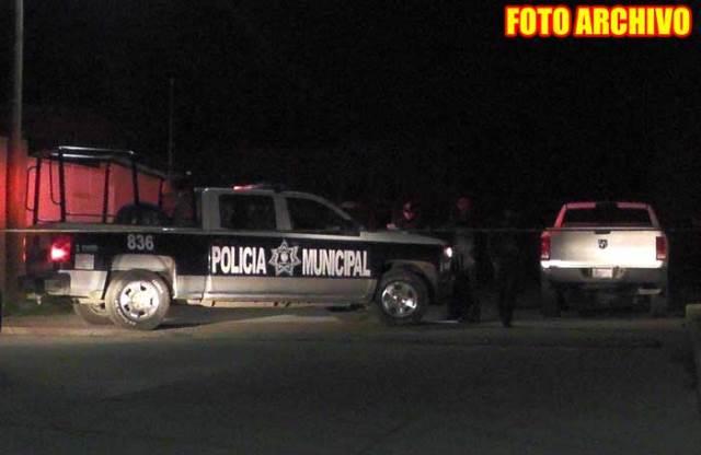 ¡Ejecutaron a 2 hombres afuera de su domicilio en la colonia La Fe en Guadalupe!