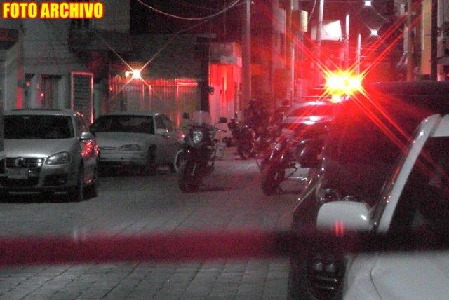 ¡Ejecutaron a chofer de taxi e hirieron a otro hombre y una mujer en Guadalupe!
