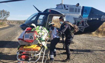 ¡Volcadura de camioneta dejó 4 lesionados, una joven grave, en Aguascalientes!