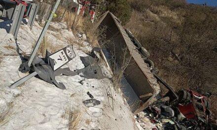¡2 muertos tras fuerte choque entre dos tráiler en Guadalupe!