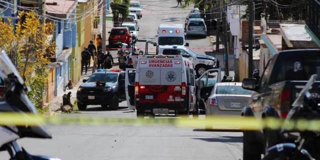 ¡Ejecutaron a 2 hombres en la colonia Camilo Torres en Guadalupe!