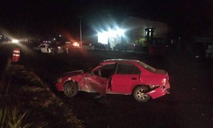 ¡Choque entre dos autos en Aguascalientes dejó una adolescente muerta y dos lesionados!