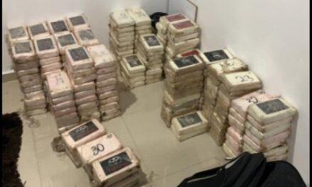 ¡Ejército Mexicano aseguró 800 kilos de cocaína y armas de fuego en la Ciudad de México!