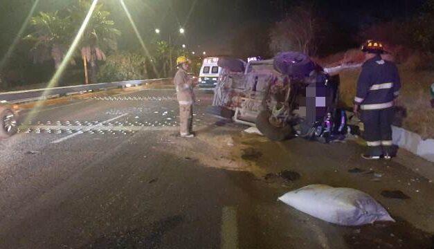 ¡Hombre murió tras volcadura de su camioneta en Calvillo, Aguascalientes!