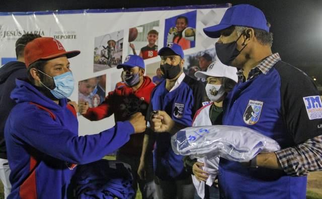 """¡Ponen en marcha la Liga de Béisbol y Softbol """"Toros Bravos de Jesús María 2021""""!"""