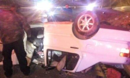 ¡Volcadura de un auto en Zacatecas dejó un hombre muerto y una mujer lesionada!