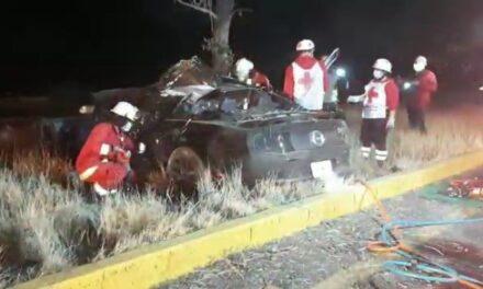 ¡Choque entre 2 autos en Aguascalientes dejó 1 muerta y 1 lesionada!