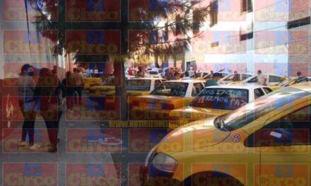 ¡Familiares, compañeros taxistas y amigos despidieron al taxista asesinado en Lagos de Moreno!