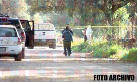 ¡Ejecutaron a una mujer con el tiro de gracia en una brecha en Lagos de Moreno!