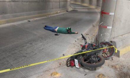 ¡Motociclista se mató tras accidentarse en Distribuidor Vial Norte en Aguascalientes!