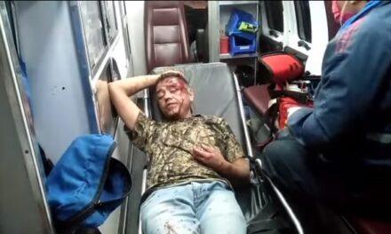 ¡Sujeto recibió golpiza y cachazos de un arma de fuego en la cabeza por una deuda de drogas en Aguascalientes!