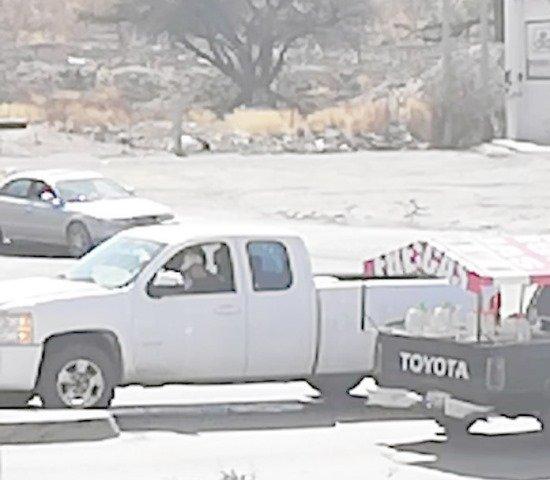 ¡Hombre fue ejecutado a bordo de su camioneta en Encarnación de Díaz!