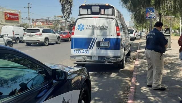 ¡Hombre se salvó de morir electrocutado en un puente peatonal en Aguascalientes!