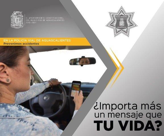 ¡Llama Municipio a prevenir accidentes viales evitando el uso del teléfono celular al conducir!